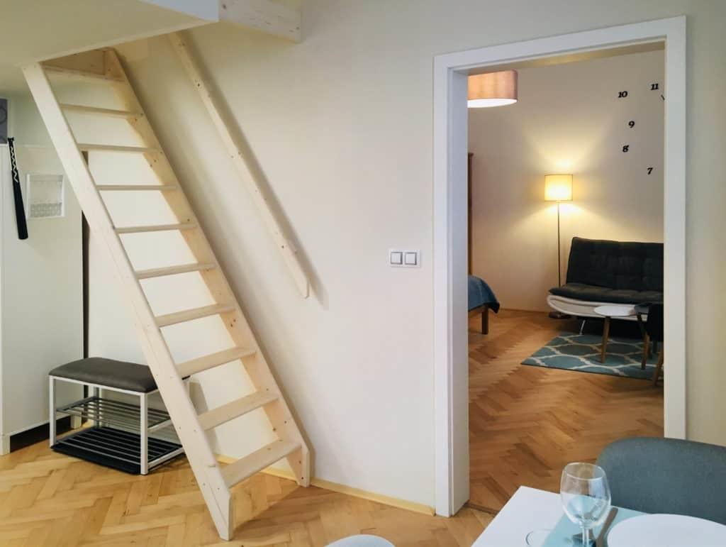 Marienbad Apartment Mariánské Lázně schody na patrovou postel